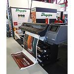 Foto de Dugopa muestra en C!Print las ventajas de la nueva impresora HP Latex 360