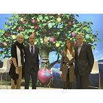 Foto de VOG en Fruit Attraction, con su variedad de manzanas y el concurso Win!Marlene