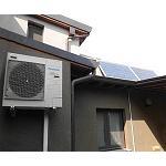 Foto de Paneles fotovoltaicos, el sistema Aquarea y el Heat Pump Manager para ahorrar energ�a en el hogar