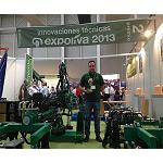 Picture of Bautista Santillana receives the recognition of Expoliva by his vibrator of trunks of variable amplitude