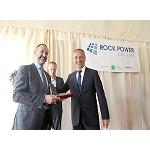 Picture of Rock Power C�ceres delivers to Emerson a special quotation in the premi�re of his new photovoltaic plant