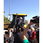 Picture of JCB Participates in the Agricultural Fair of Sant Miquel beside his distributor Geancar