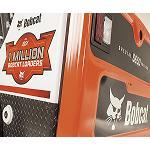 Foto de Bobcat festeja la cargadora compacta 1 mill�n