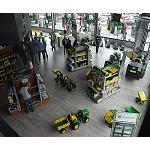 Foto de John Deere ampl�a su presencia en Galicia con la inauguraci�n de sus nuevas instalaciones en Santiago de Compostela