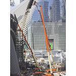 Foto de Tres plataformas 1850SJ Ultra de JLG trabajan en el Oculus de Nueva York