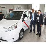 Foto de Nissan Leaf, el primer veh�culo el�ctrico homologado como taxi en la Comunidad de Madrid