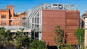 Foto de La ampliaci�n del Colegio de las Teresianas, de Pich Architects, utiliza tejido cer�mico Flexbrick