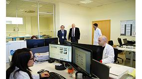 Foto de Tecnicarton muestra al director general de industria de la Generalitat Valenciana sus competencias en I+D