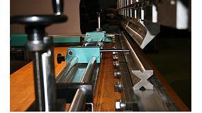 Foto de Metalmaq instala un control numérico en una plegadora en uso