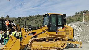 Foto de La nueva pala de cadenas Cat 963K ofrece altos niveles de versatilidad