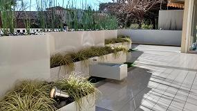 Fotografia de El acero y hierro se funden esta primavera en las jardineras flotantes, nueva soluci�n t�cnica para los exteriores