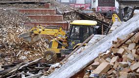Foto de JCB ayuda a Nepal con la donación de excavadoras y generadores por valor de 1 millón de dólares