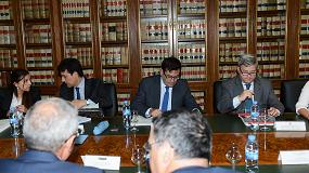 Foto de Carlos Cabanas se reúne con la Organización Interprofesional del Vino