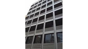 Foto de Gradpanel E-220 de Gradhermetic a medida para un edificio de oficinas de Barcelona