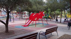 Fotografia de Equipamientos para Entorno Urbano instala un parque infantil en Elche