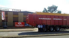 Foto de Casimiro realiza la entrega de un remolque picador Schuitemaker Rapide 840