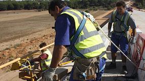 Foto de La Fundación Laboral alerta de los riesgos derivados de las altas temperaturas en las obras de construcción