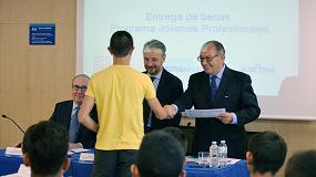 Picture of Los participantes en el Proyecto de Formaci�n �J�venes profesionales 2014-2015� reciben sus diplomas