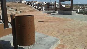 Foto de Martín Mena implementa 100 papeleras urbanas personalizables en Vélez-Málaga