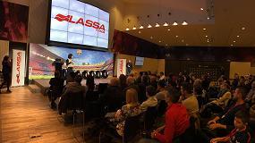 Picture of Neum�ticos Lassa presenta su marca en el Camp Nou ante m�s de 100 especialistas del neum�tico de Barcelona