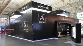Foto de Cortizo recibe el premio al mejor stand de BUDMA