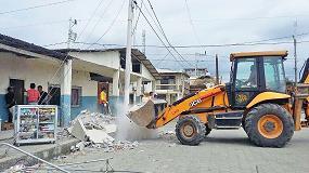 Foto de JCB dona una retrocargadora 3CX para ayudar en el terremoto de Ecuador