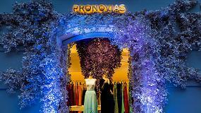 Foto de El papel Curious Metallics Violette viste los escaparates de Pronovias