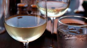 Foto de Dos copas de vino tinto ayudan a adelgazar