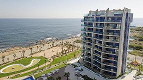 Foto de 4.500 m de barandillas GlassFit de Comenza para el complejo residencial Sea Senses de Torrevieja