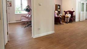 Foto de El mayor proveedor de asistencia domicliaria de Norfolk cuenta con Altro Wood Safety
