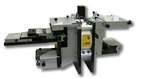 Foto de Punzonadoras y equipamientos para el mecanizado y logística de la industria de la ventana