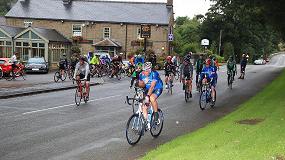 Foto de WNT UK organiza un día de ciclismo para sus clientes