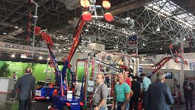 Foto de Spain Crane lanza en España la máquina de elevación de cristal Robot KS 1400