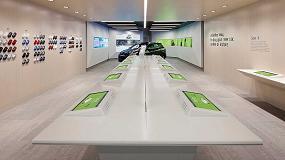 Foto de Hi-Macs combina funcionalidad y estilo en el moderno showroom de Rockar Hyundai en Londres