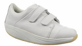 Fotografia de MBT lanza la línea de calzado laboral Zende Velcro