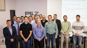 Picture of Pilz forma en seguridad para aplicaciones en robots colaborativos