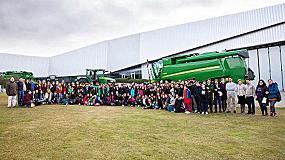 Foto de John Deere Ibérica colabora en el programa Youth Challenge, acercando a los jóvenes estudiantes al mundo laboral