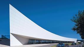 Fotografia de Ulma instala una gran fachada ventilada en Brasil