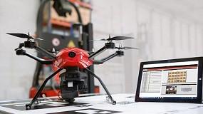 Foto de Linde Material Handling muestra Flybox, el dron de inventario