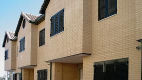 Foto de Sistemas de puertas y ventanas plegables Espo con mallorquinas de Laveranda10