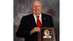 Foto de AGCO, de luto por el fallecimiento de su fundador Robert J. Ratliff