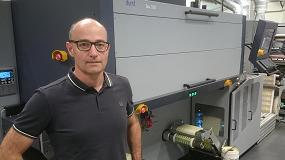 Foto de Adesa es la primera empresa europea en instalar una Durst Tau 330 y el sistema de acabado láser inline LFS 330