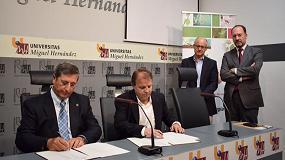 Foto de Grupo Agrotecnología y la Universidad Miguel Hernández firman un convenio para la constitución de la Cátedra Bioestimulantes Naturales