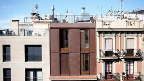 Foto de Un ático nuevo construido sobre un edificio antiguo en el Eixample de Barcelona