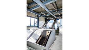 Fotografia de Medición de nivel de agua en el control de reja en una planta depuradora