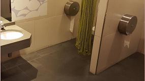 Foto de Lotum renueva el pavimento de los baños del Centro Comercial Vilamarina