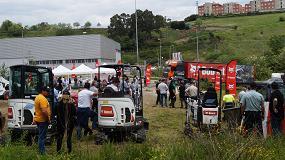 Foto de J.R.A. Maquinaria inaugura su nueva delegación Bobcat en Bilbao