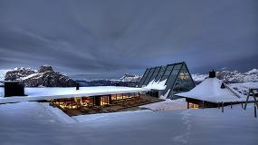 Foto de Una fachada a más de 2.000 metros de altura, realizada con sistemas de aluminio Wicona