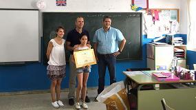 Foto de Hanson entrega el Primer Premio del X Concurso de Dibujo del Día de los Árboles, los Áridos y la Biodiversidad en Castilla y León