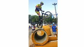 Foto de WD-40, patrocinador oficial del equipo de biketrial de Dani Comas